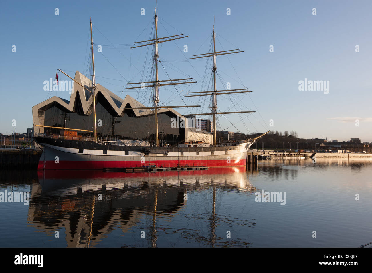Riverside Museum, with the Glenlee tall ship, in Glasgow, Scotland. - Stock Image