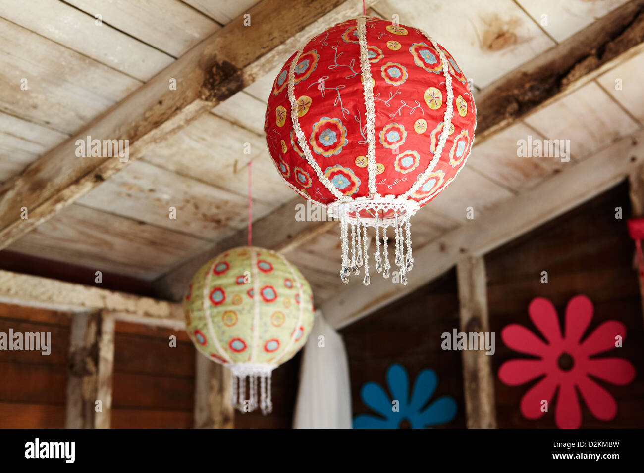 Lanterns hanging from ceiling - Stock Image