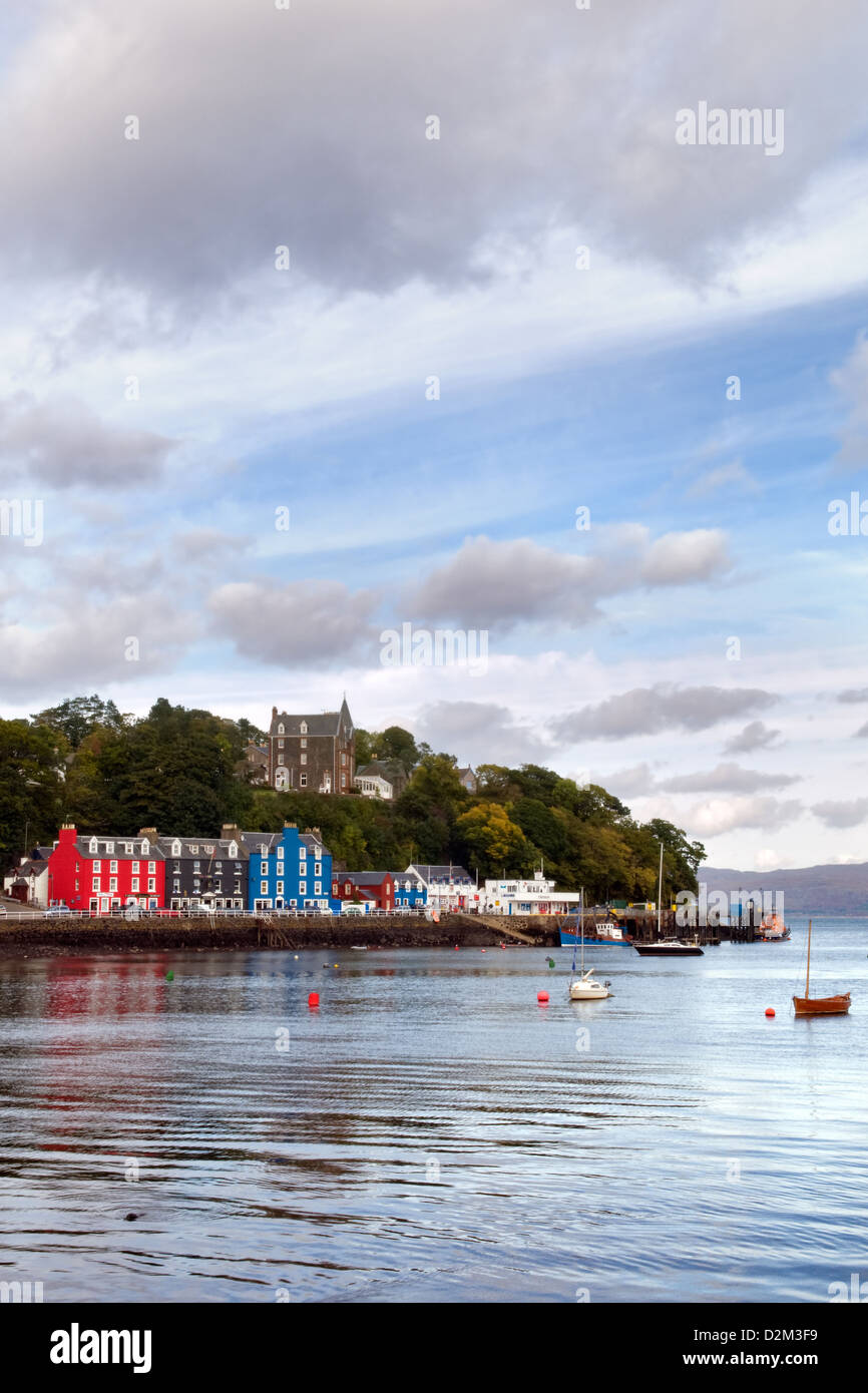 Sea front and harbourside of Tobermory, Isle of Mull, Scotland taken on a bright cloudy day - Stock Image