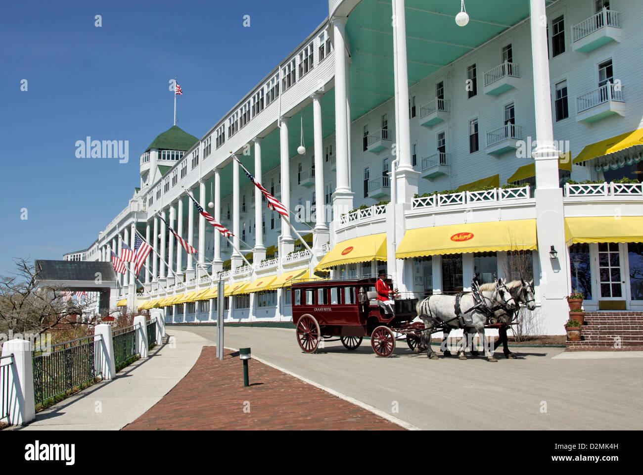 Horse Drawn Carriage At Grand Hotel Mackinac Island Lake Huron Stock Photo Alamy