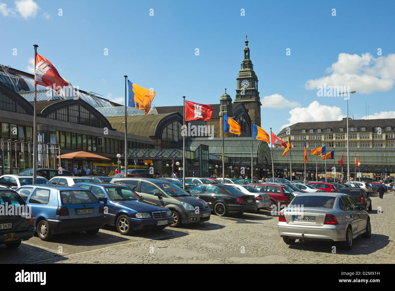 Cars in the car park at the railway Central Station, the country's busiest station, on Kirchanallee, Hamburg, - Stock Image
