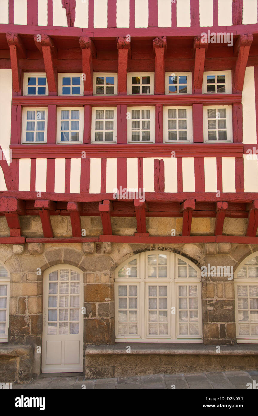 Medieval half timbered house, Merciers Square, Dinan, Brittany, France, Europe - Stock Image