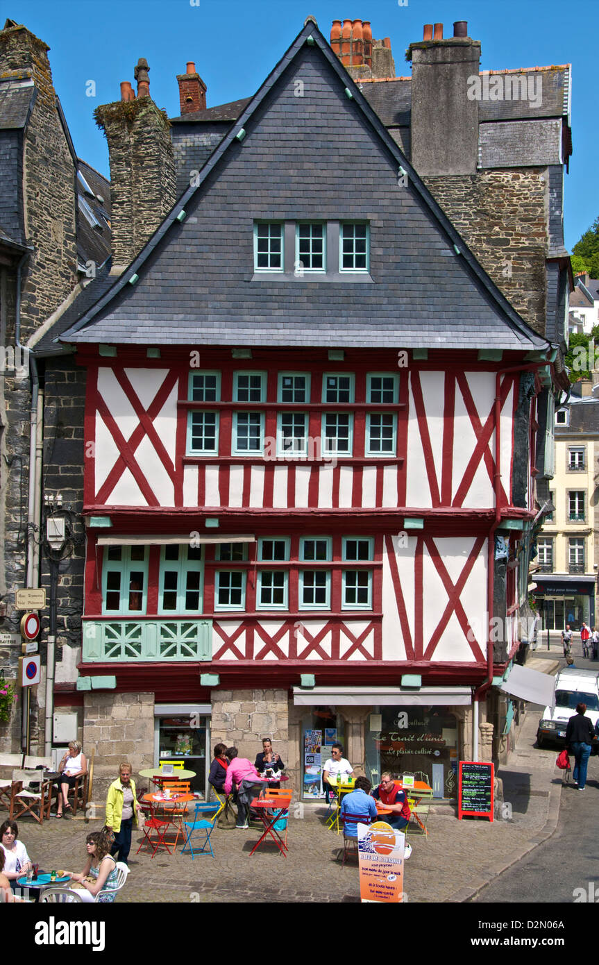 Medieval half timbered houses and cafes, old town, Morlaix, Finistere, Brittany, France, Europe - Stock Image