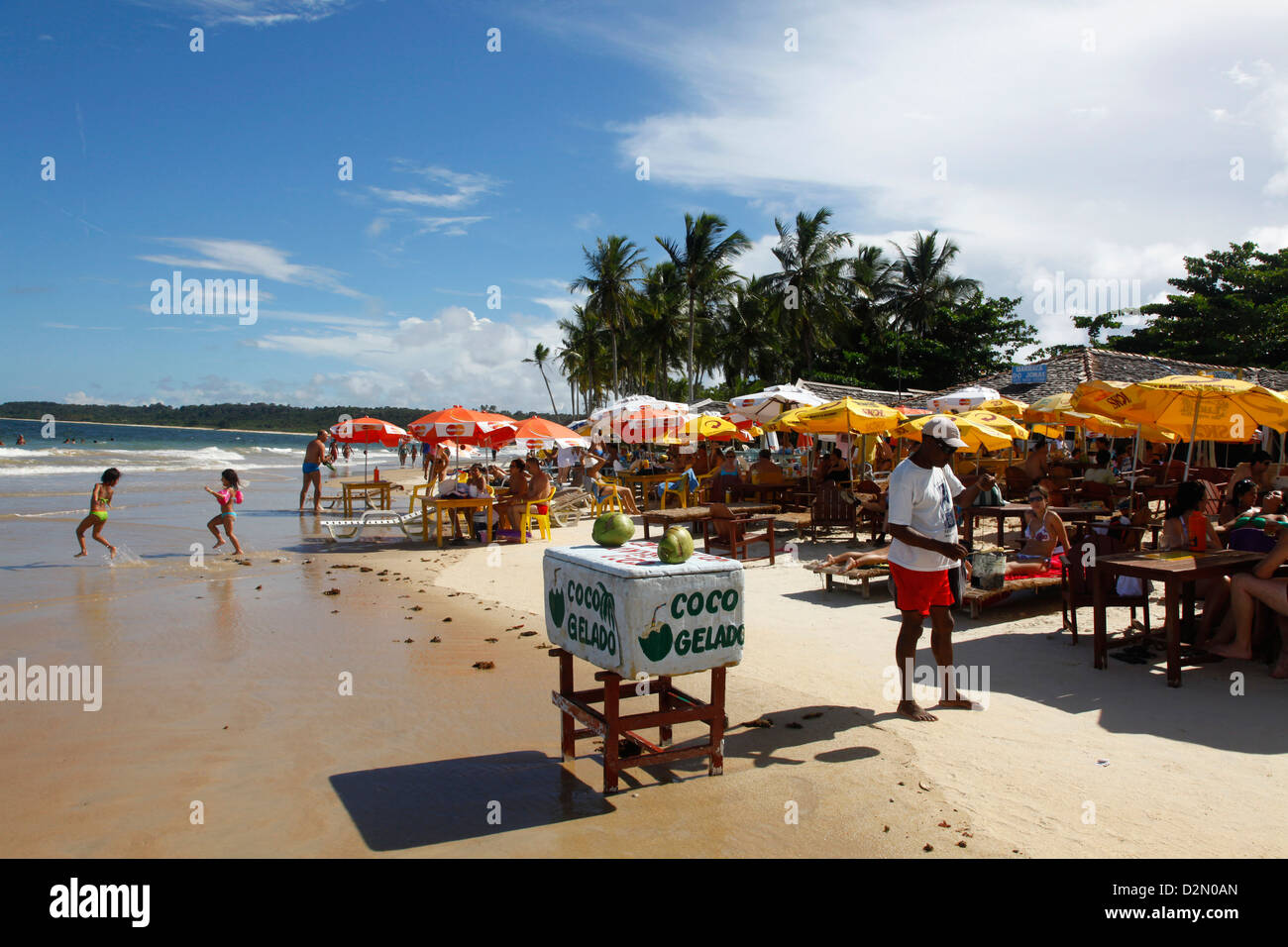People at Praia Dos Coqueiros beach, Trancoso, Bahia, Brazil, South America - Stock Image