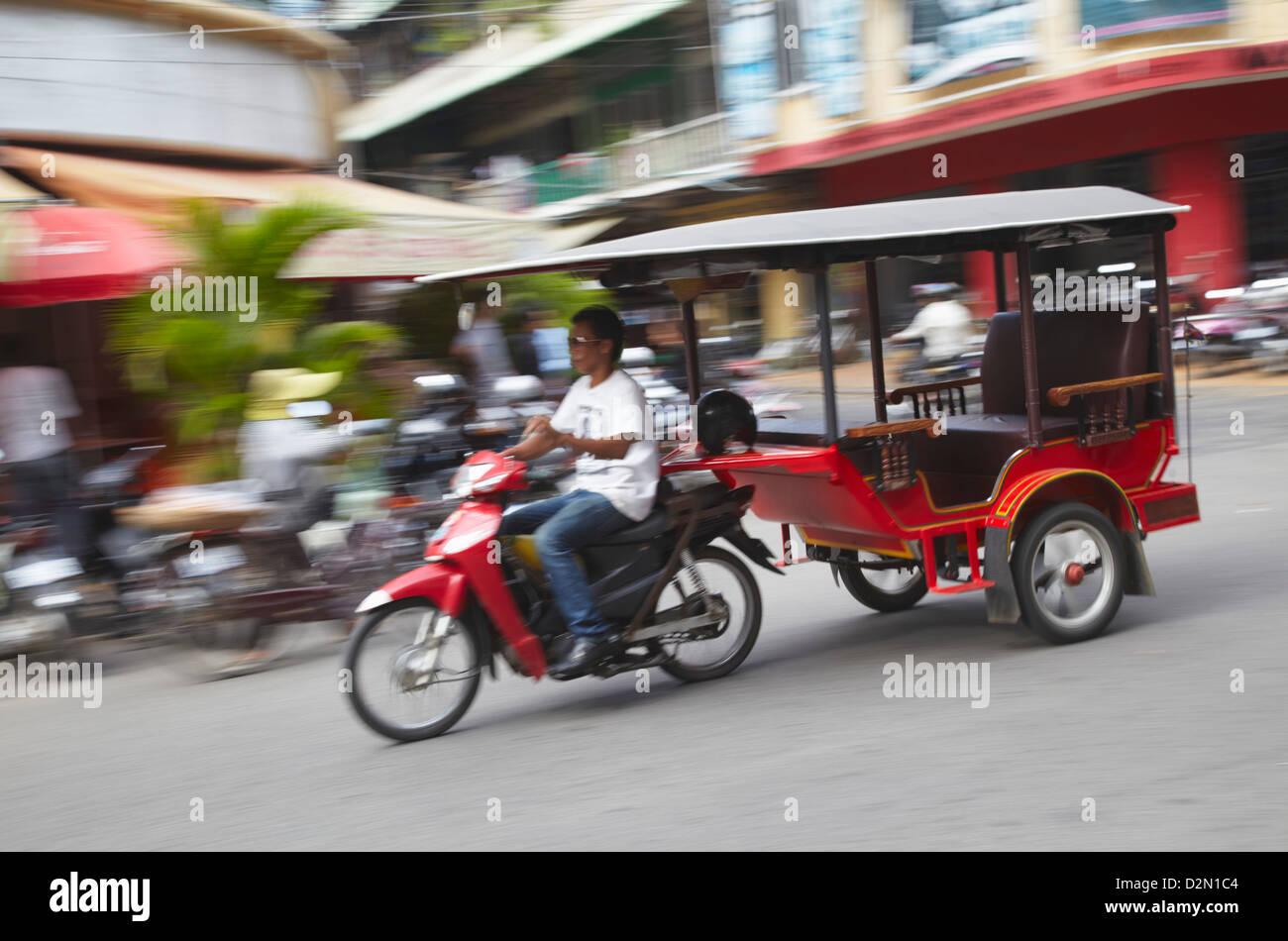 Tuk-tuk driver, Phnom Penh, Cambodia, Indochina, Southeast Asia, Asia - Stock Image