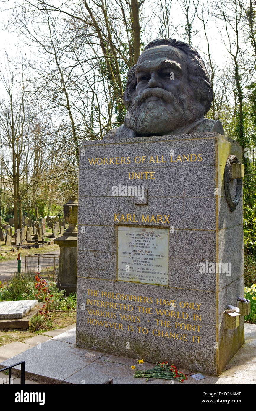 Karl Marx 's grave at Highgate Cemetery, London, England, United Kingdom, Europe - Stock Image