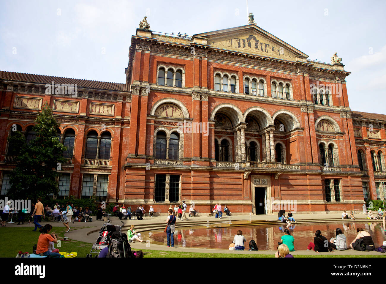 Victoria and Albert Museum (V&A), South Kensington, London, England, United Kingdom, Europe - Stock Image