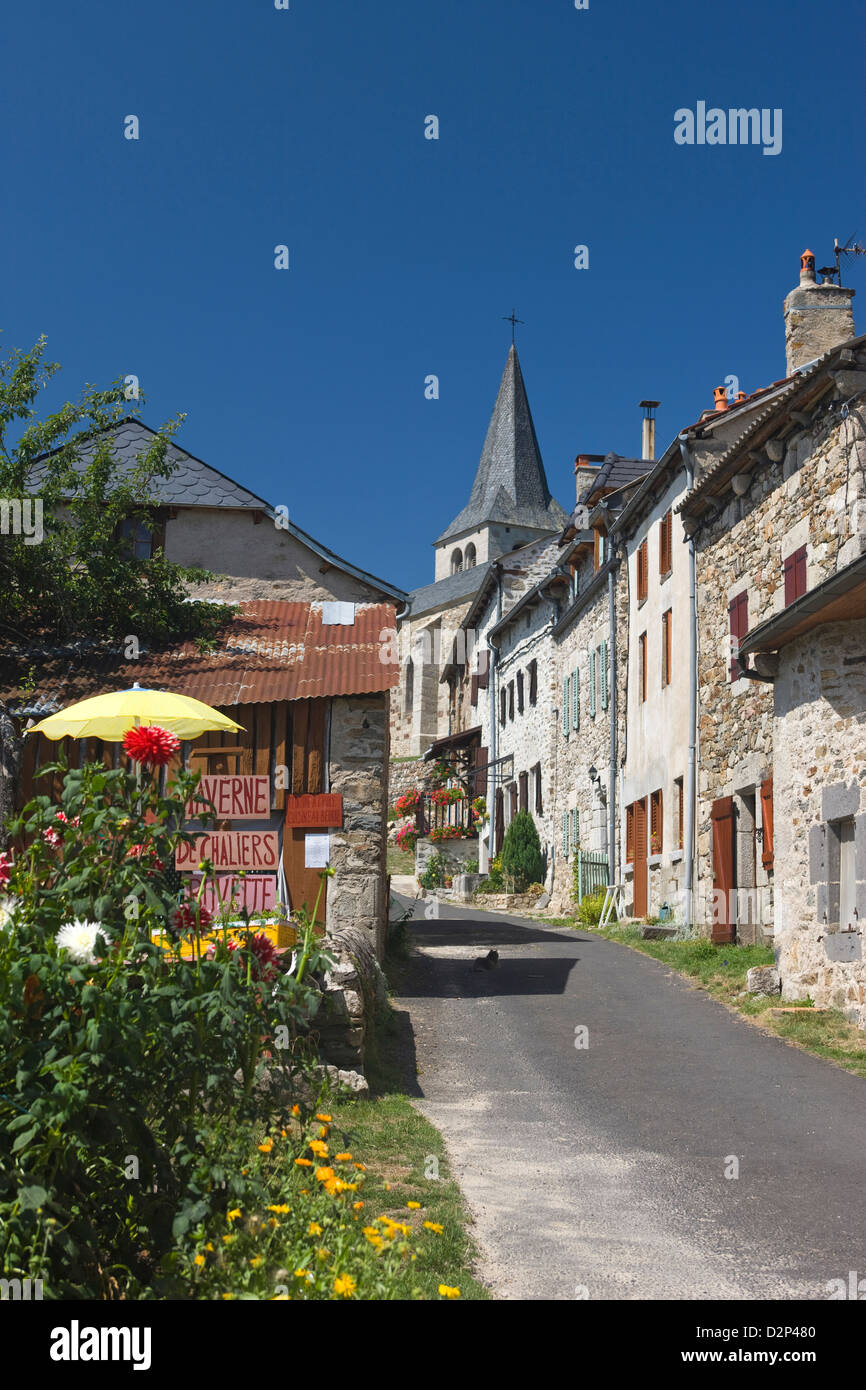 TAVERNE CHALIERS HILLTOP VILLAGE CANTAL AUVERGNE FRANCE Stock Photo