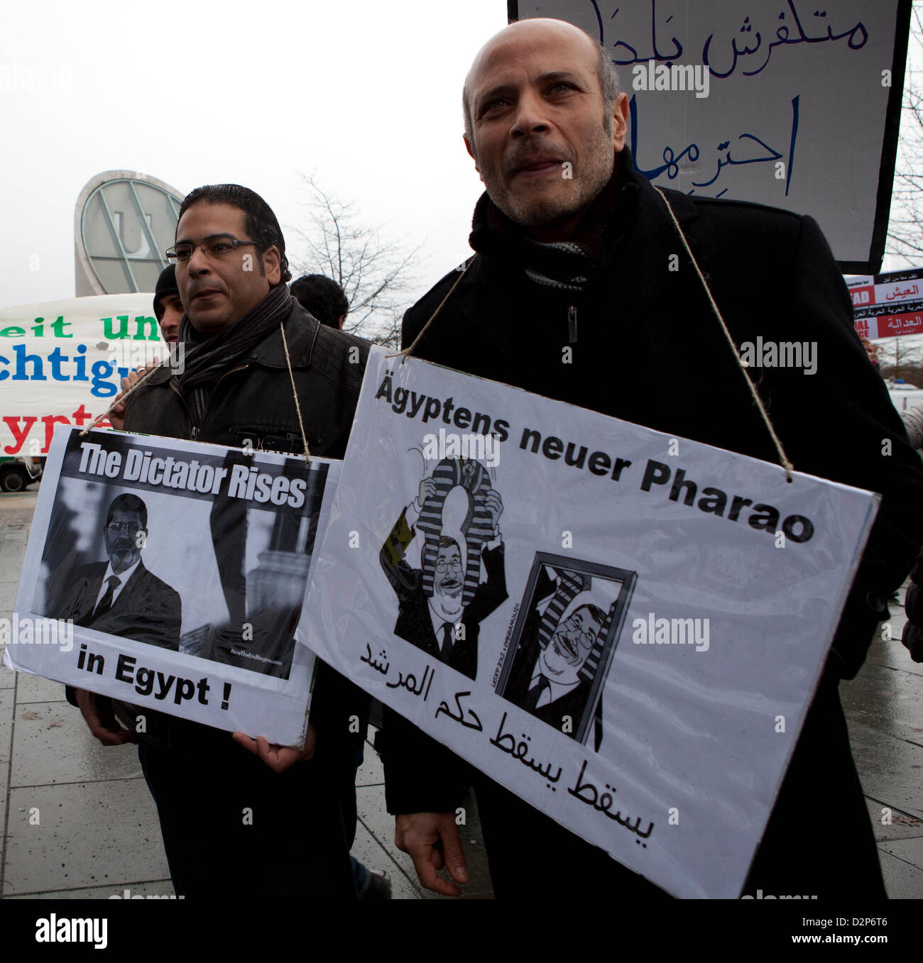 Berlin, Germany. 30th January 2013. Anti-Morsi protesters in front of the German chancellery during the visit of - Stock Image