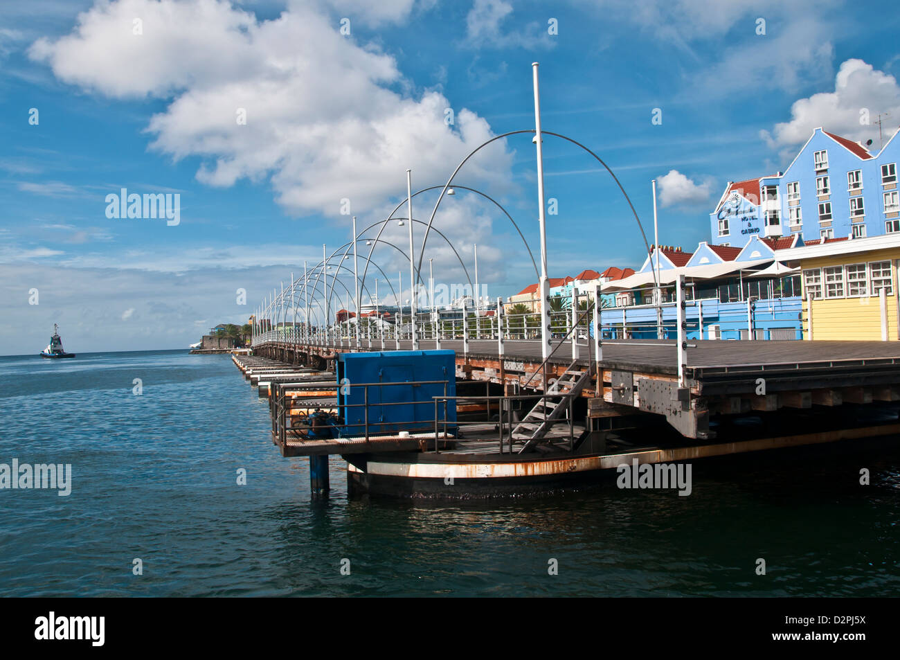 Queen Emma pontoon floating bridge fully retracted for ship traffic at Willemstad, Curacao - Stock Image