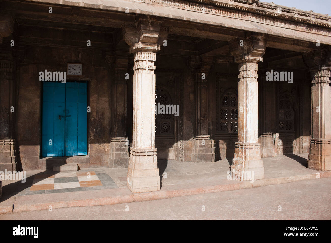 Colonnade in a mosque, Sayad Sidi Mosque, Ahmedabad, Gujarat, India - Stock Image