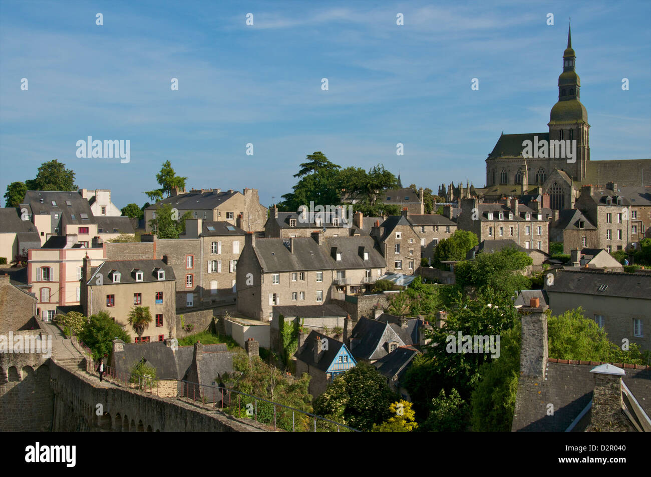 Old town houses and gardens, city walls, and St. Sauveur Basilica, Dinan, Brittany, France, Europe - Stock Image