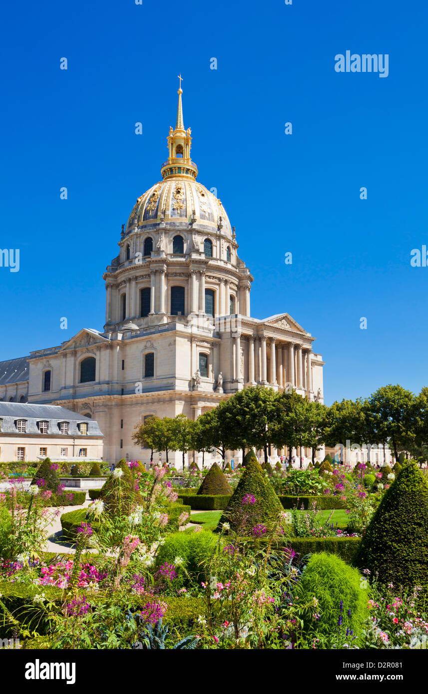 Eglise du Dome, Les Invalide, and formal gardens, Paris, France, Europe - Stock Image