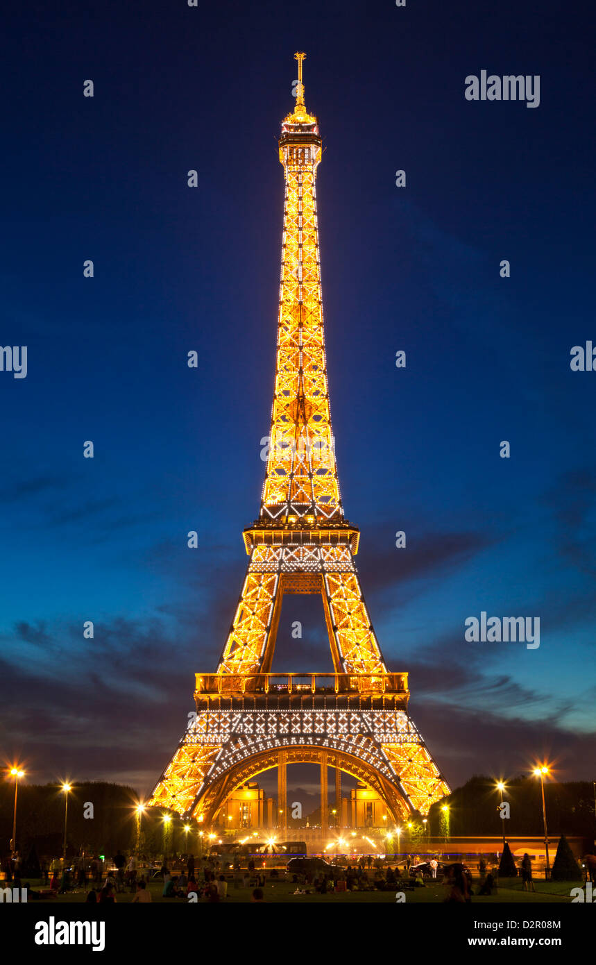 Eiffel Tower at night, Paris, France, Europe - Stock Image