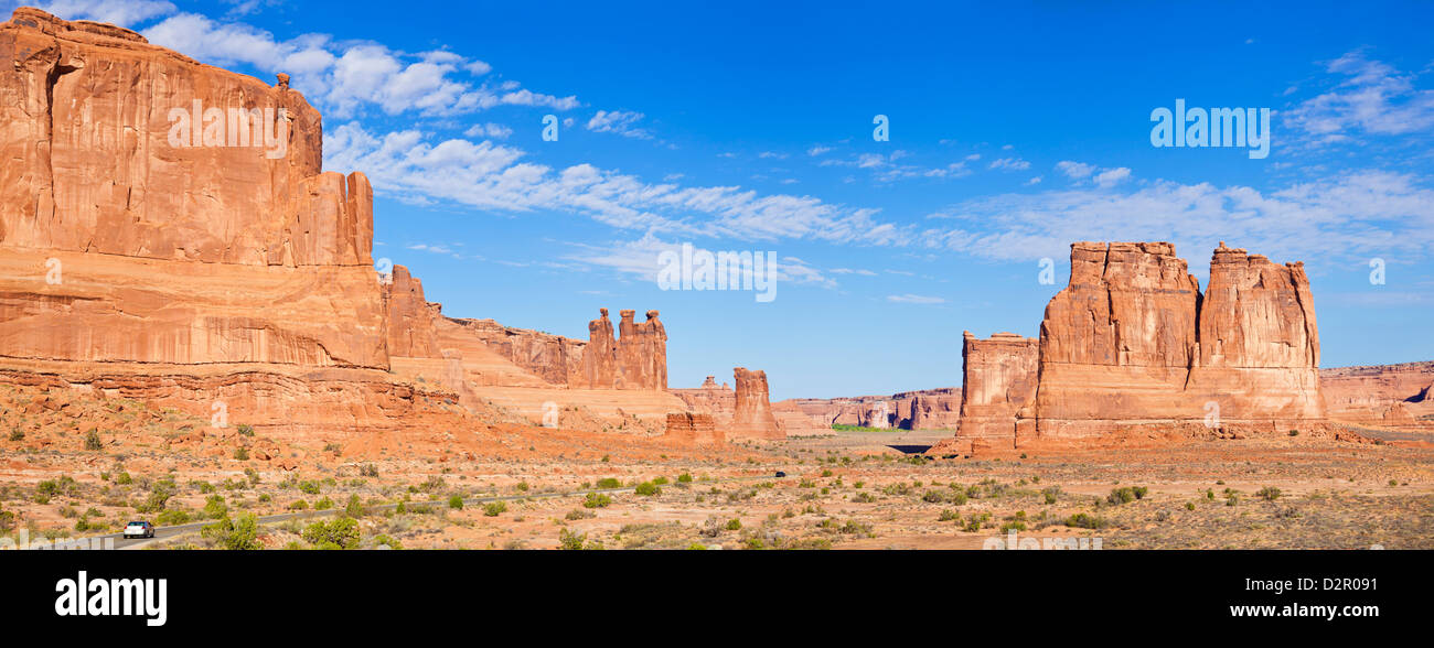 The Three Gossips and The Courthouse Towers rock formations, Arches National Park, near Moab, Utah, USA - Stock Image