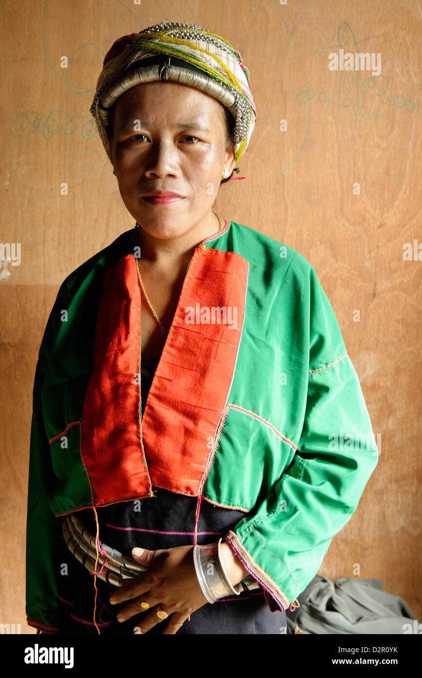 Palaung woman, a Mon-Khmer ethnic minority in Shan State, Palaung village, Hsipaw area, Shan State, Myanmar - Stock Image