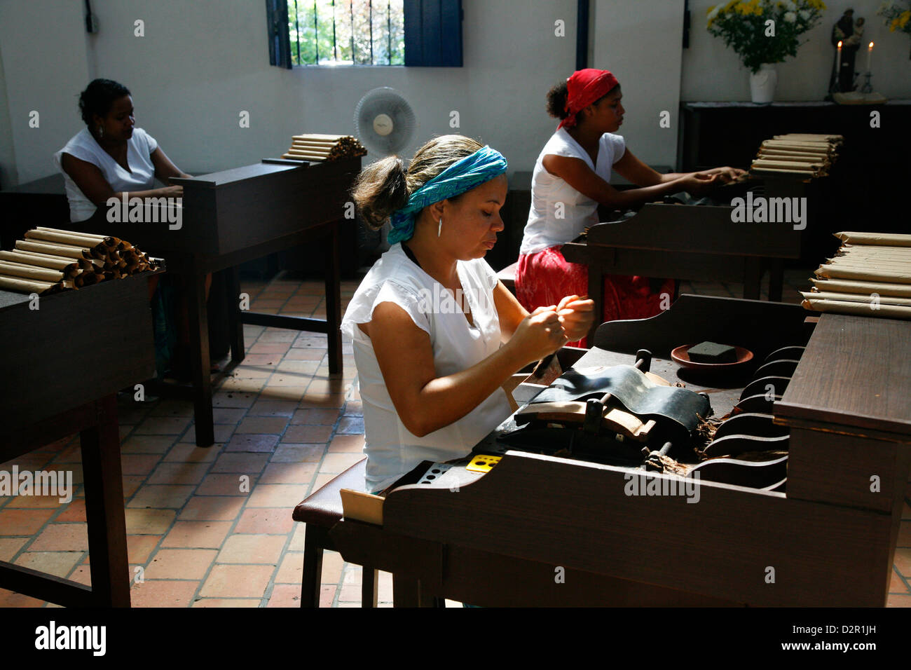 Women making cigars at the Dannemann factory in Sao Felix, Bahia, Brazil, South America - Stock Image