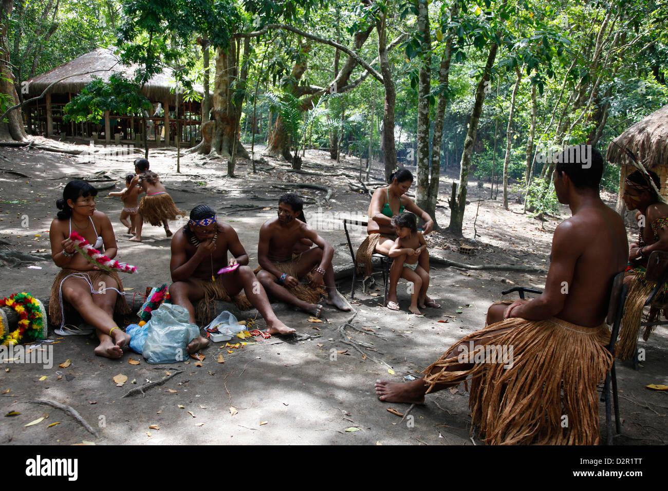 Pataxo Indian people at the Reserva Indigena da Jaqueira near Porto Seguro, Bahia, Brazil, South America - Stock Image