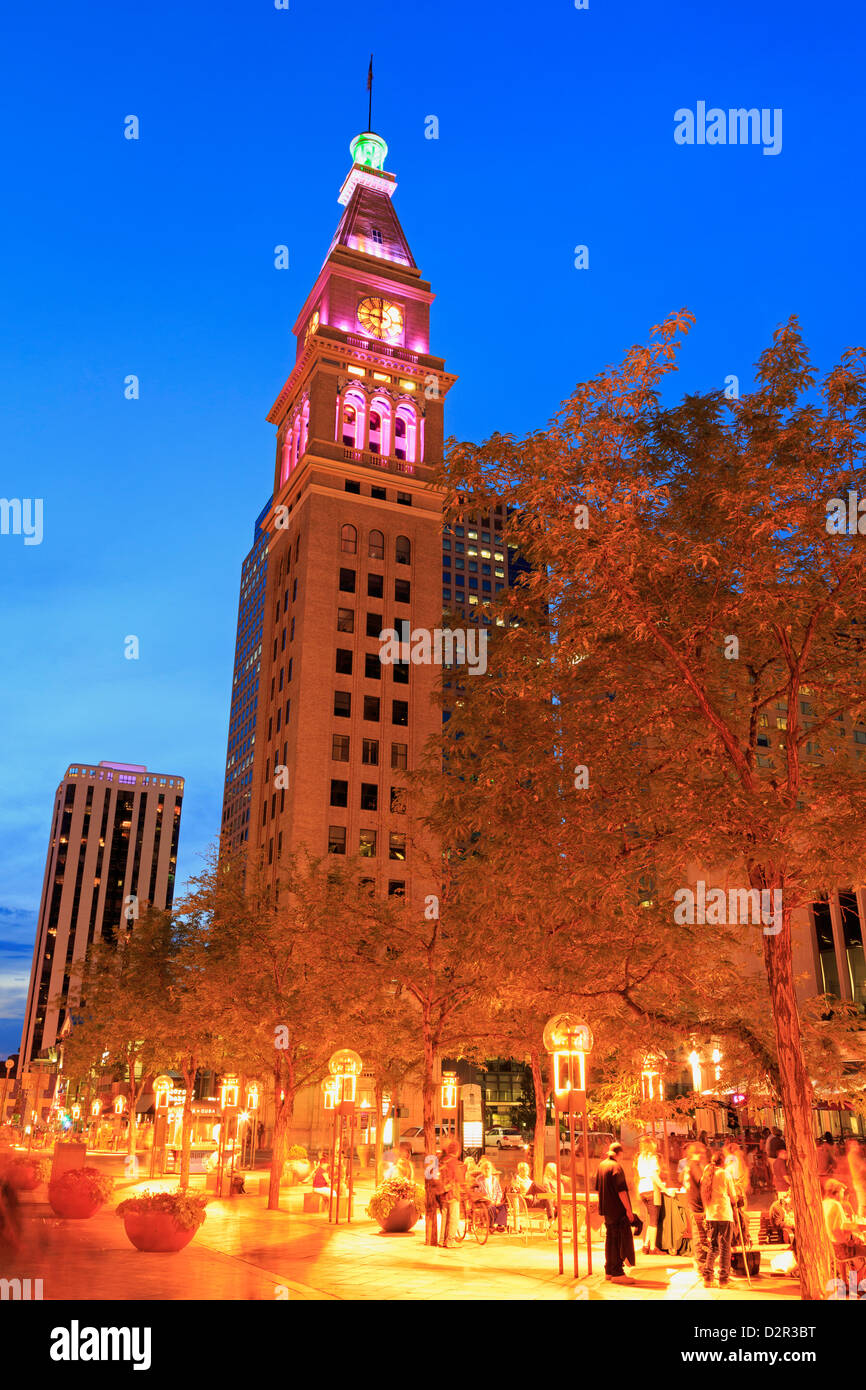 Daniel's and Fisher Tower, 16th Street Mall, Denver, Colorado, United States of America, North America - Stock Image