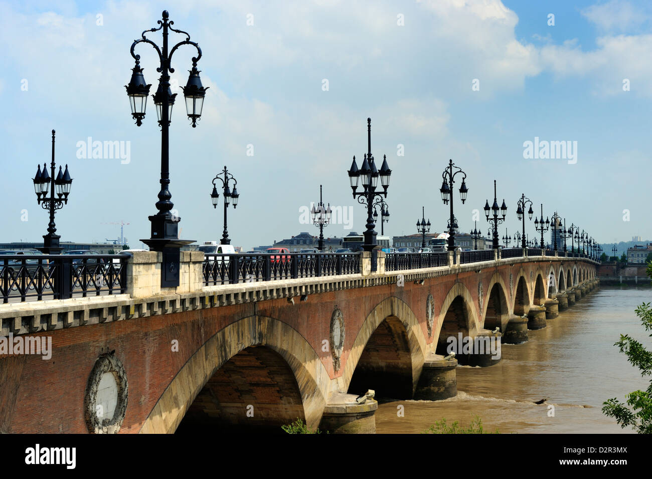 Pont de Pierre on the Garonne river, Bordeaux, UNESCO World Heritage Site, Gironde, Aquitaine, France, Europe - Stock Image