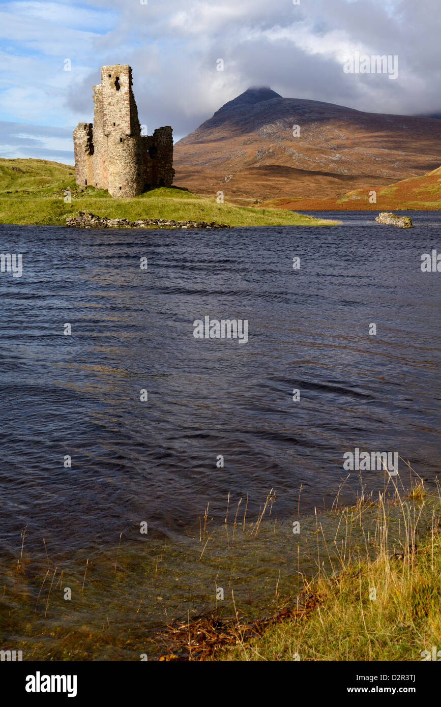 Ardvreck Castle and Loch Assynt, Sutherland, North West Highlands, Scotland, United Kingdom, Europe - Stock Image