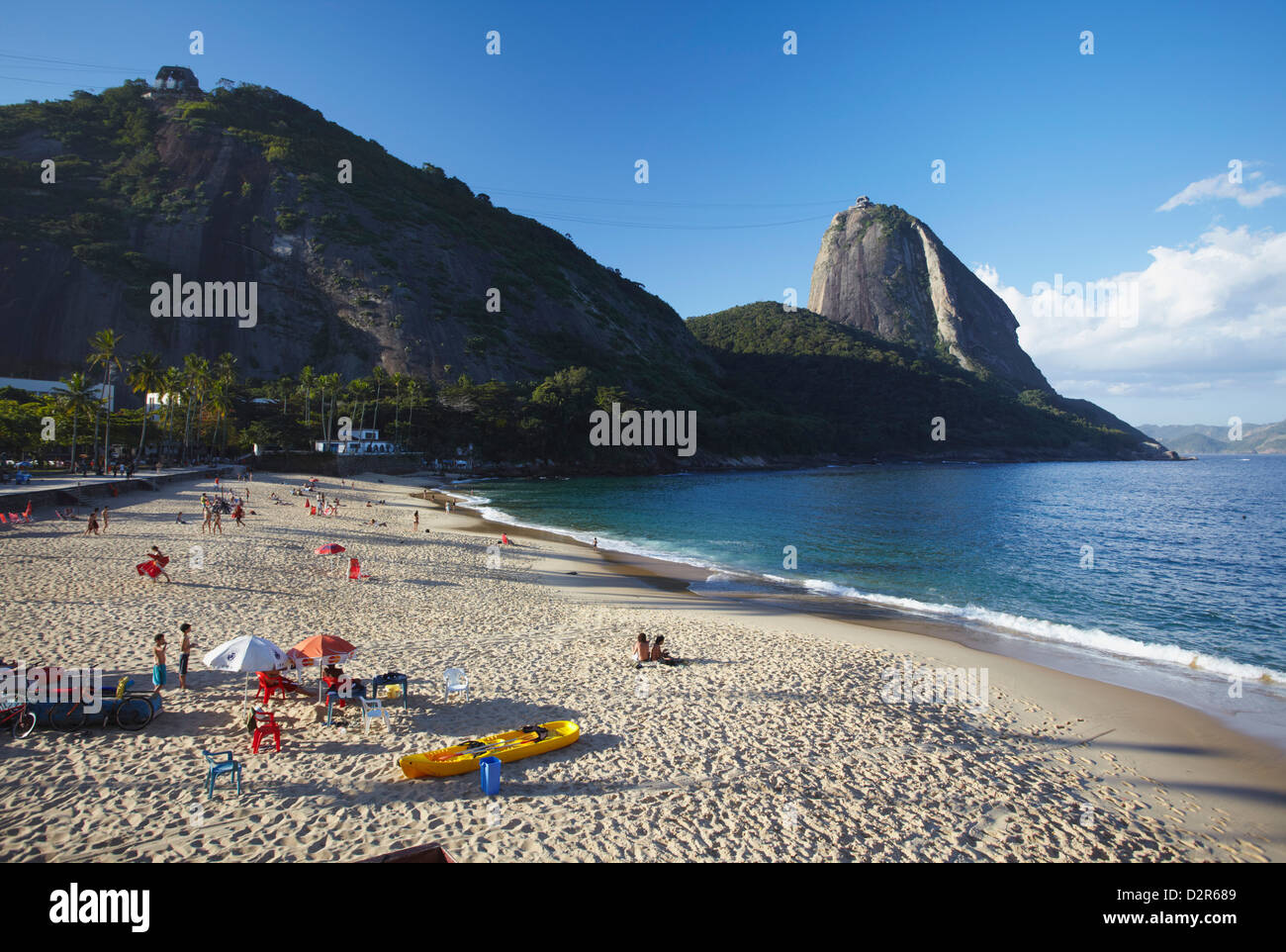 Praia Vermelha with Sugar Loaf Mountain in background, Urca, Rio de Janeiro, Brazil, South America - Stock Image