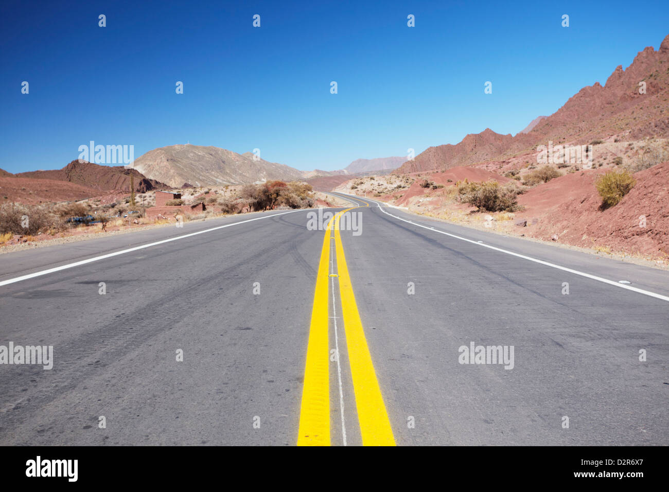 Road in Altiplano, Potosi Department, Bolivia, South America - Stock Image