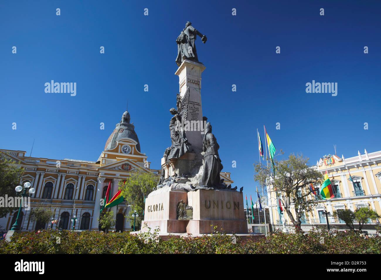 Monument and Palacio Legislativo (Legislative Palace) in Plaza Pedro Murillo, La Paz, Bolivia, South America - Stock Image