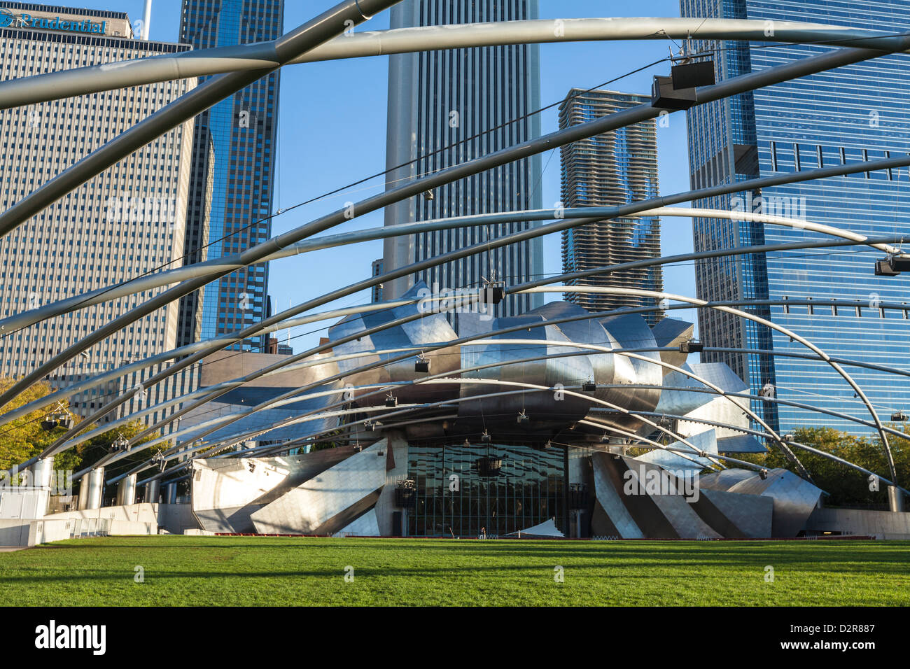 Jay Pritzker Pavilion designed by Frank Gehry, Millennium Park, Chicago, Illinois, United States of America, North - Stock Image