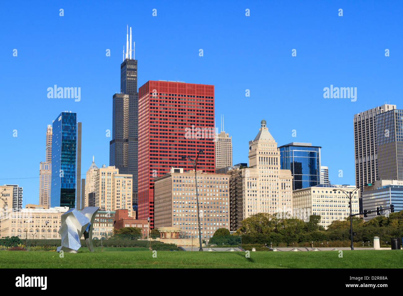 Tall buildings including the Willis Tower, formerly the Sears Tower from Grant Park, Chicago, Illinois, USA - Stock Image