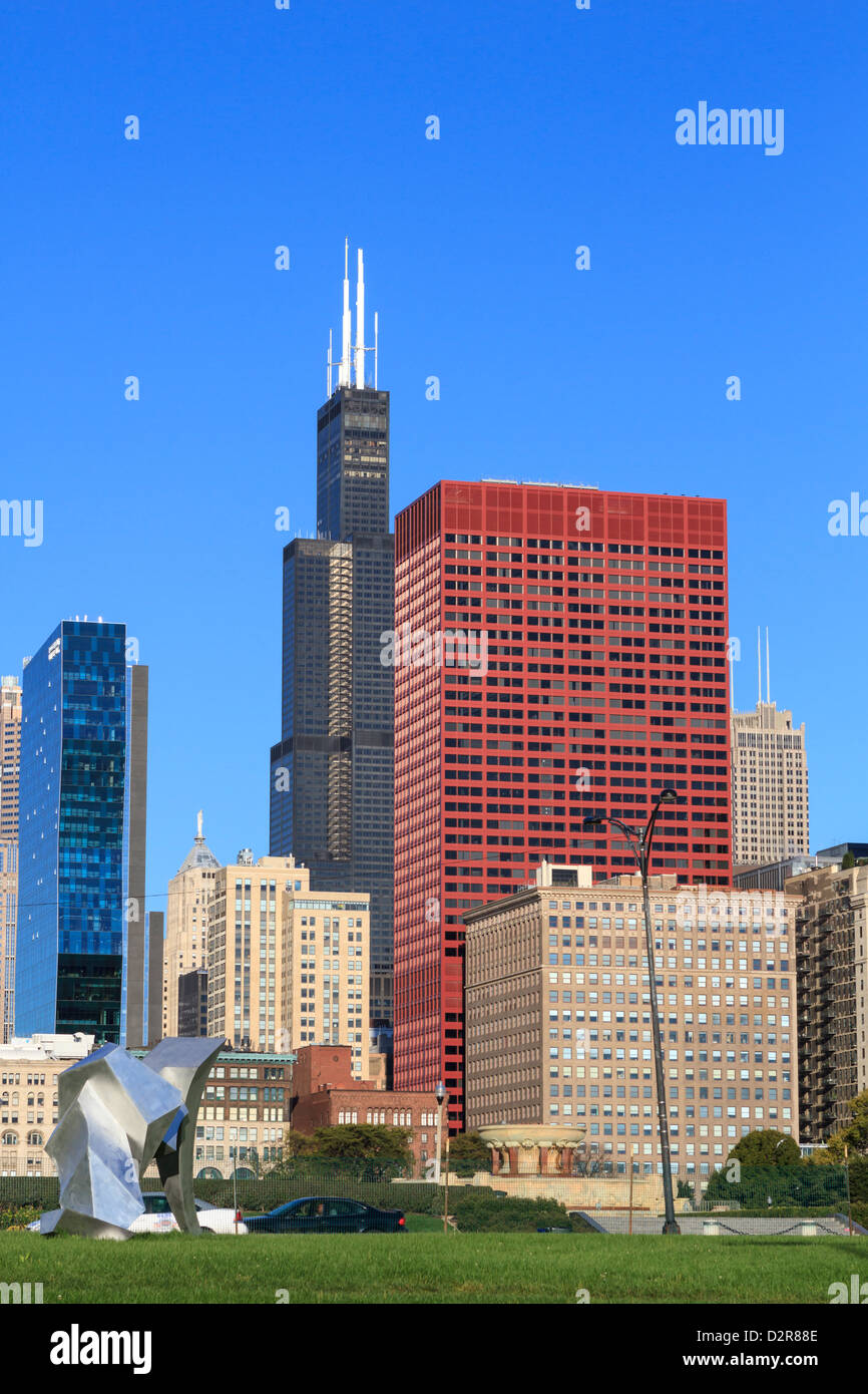 Tall buildings including the Willis Tower, formerly the Sears Tower from Grant Park, Chicago, Illinois, USA Stock Photo
