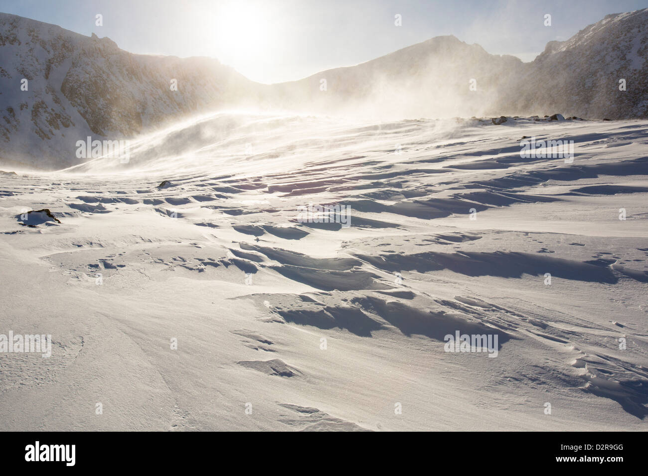 Drifting snow in Coire an Sneachda in the Cairngorm mountains, Scotland, UK. - Stock Image