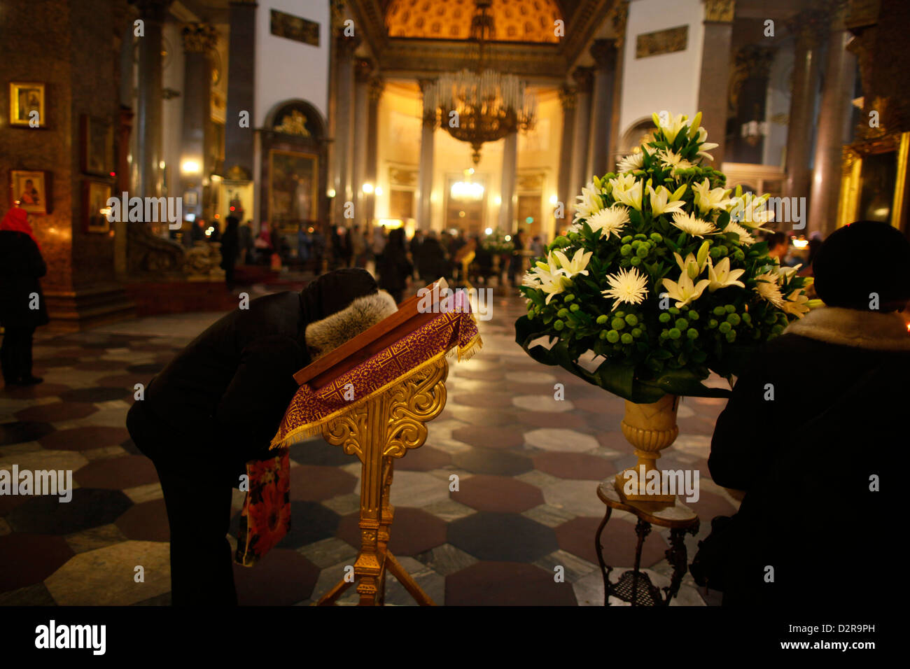Russian Orthodox believer, Kazan Cathedral, St. Petersburg, Russia, Europe - Stock Image