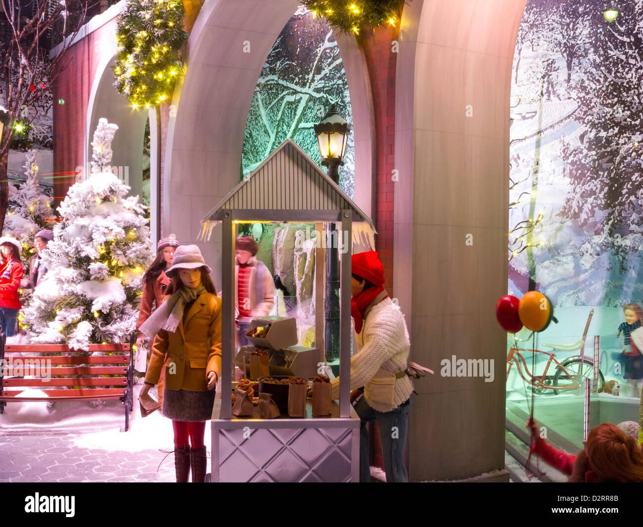 Christmas Window, Lord & Taylor , NYC Stock Photo: 53383579 - Alamy