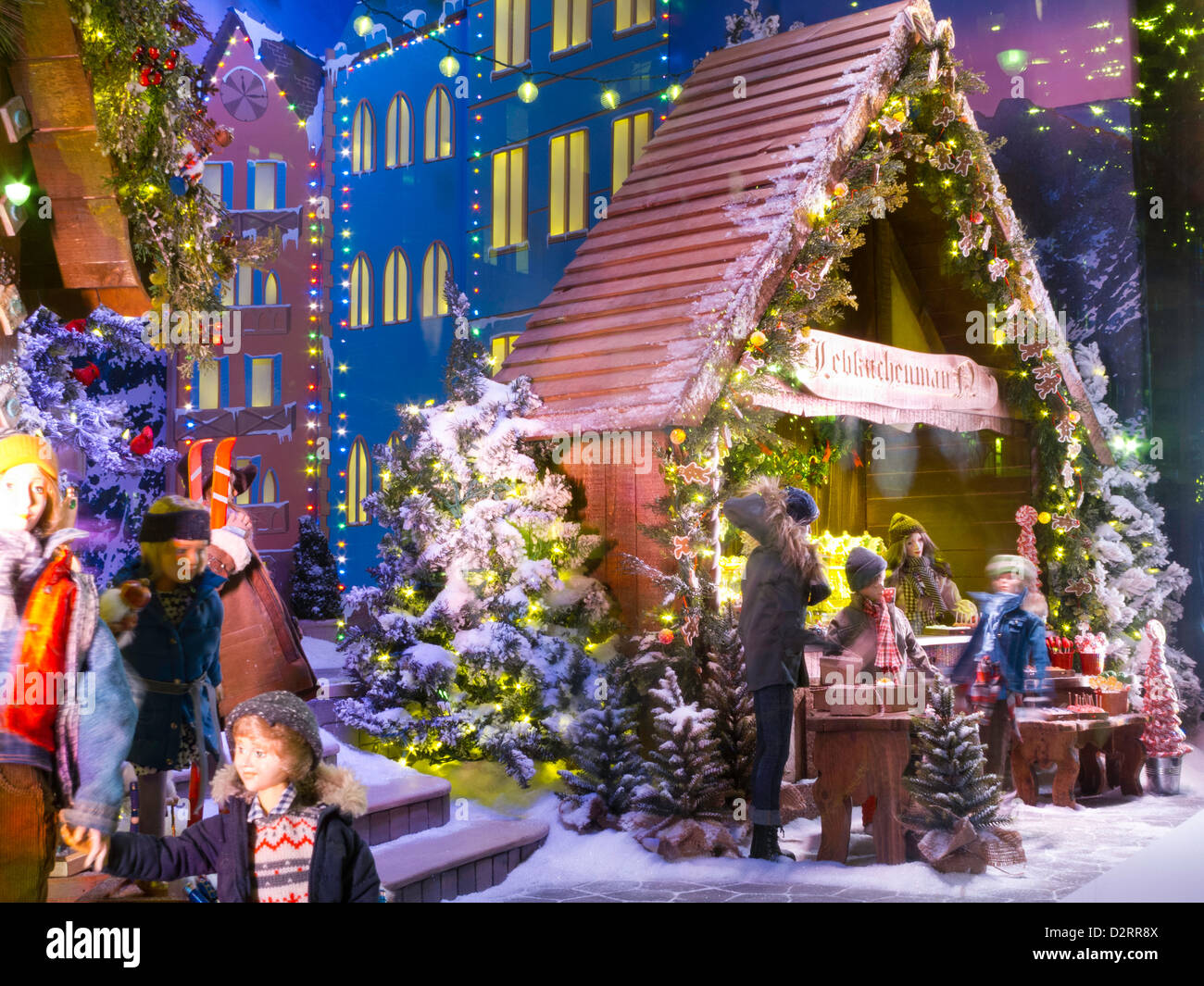 Lord & Taylor 2021 Christmas Windows Photos Lord And Taylor Christmas High Resolution Stock Photography And Images Alamy