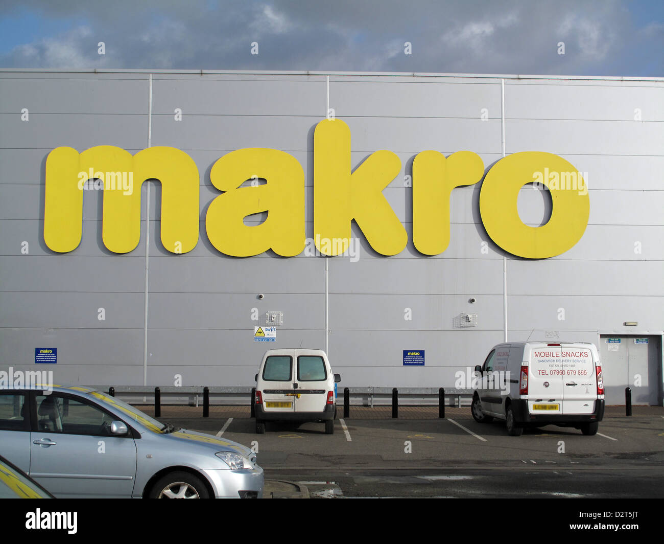 cash and carry store Makro in Croydon Surrey - Stock Image
