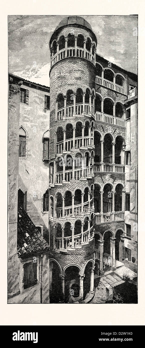 STAIRCASE OF THE FIFTEENTH CENTURY: CONTARINI PALACE VENICE - Stock Image