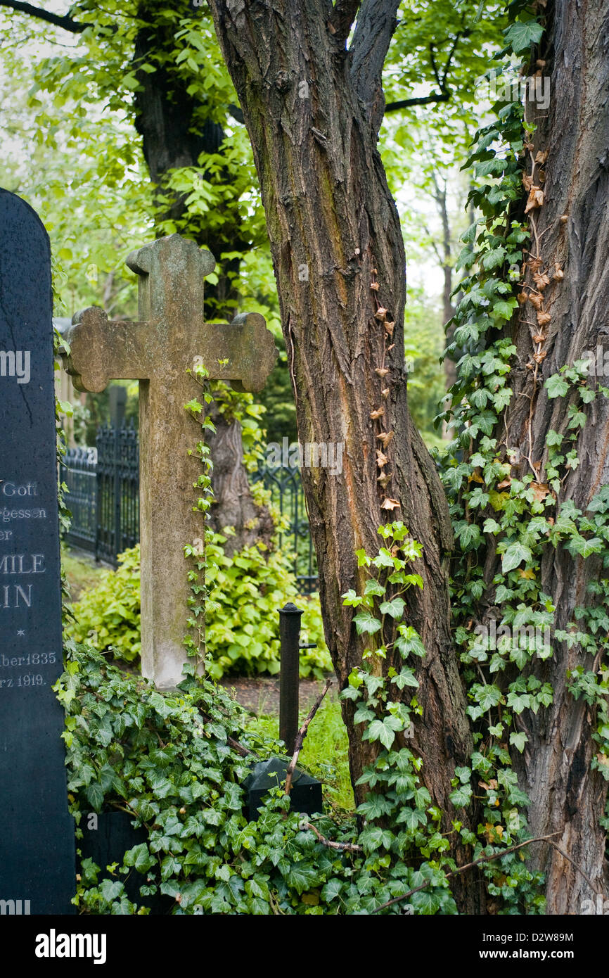Berlin, Germany, cross grave in the cemetery of the French-Ref. Community - Stock Image