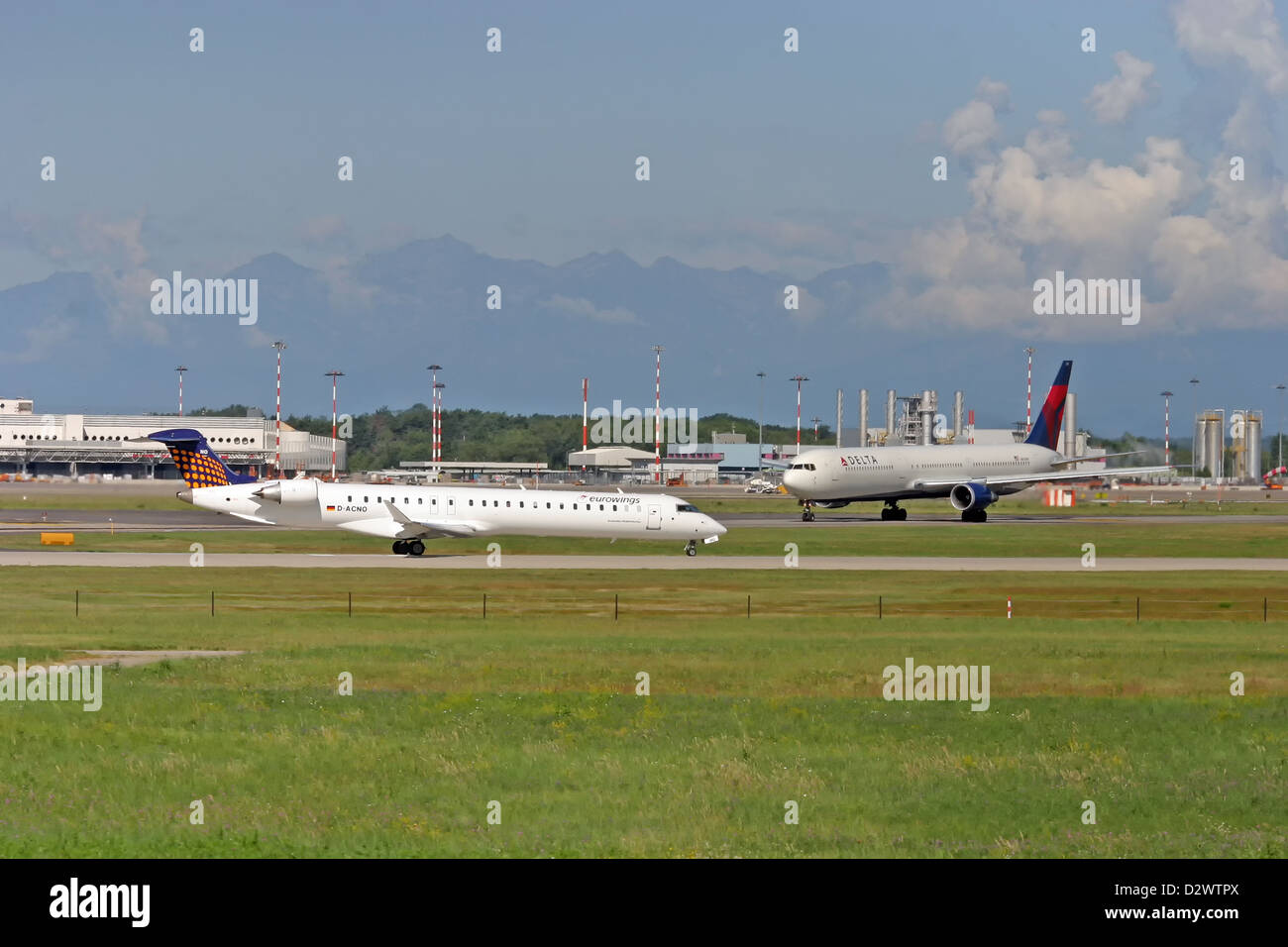 Eurowings, Canadair CRJ-900 and Delta Boeing 767-432ER - Stock Image