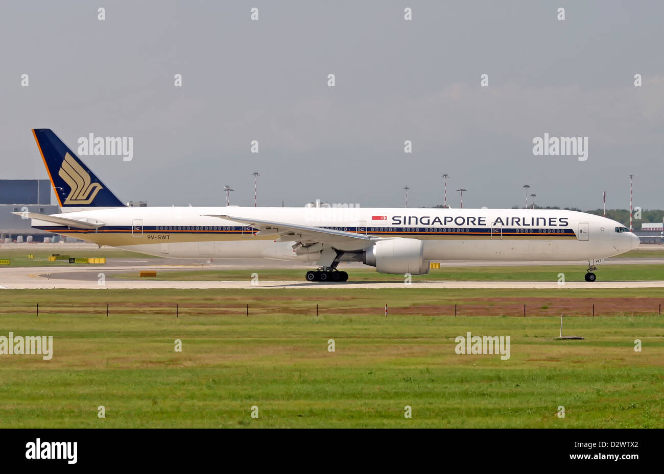 Singapore Airlines, Boeing 777-300 - Stock Image