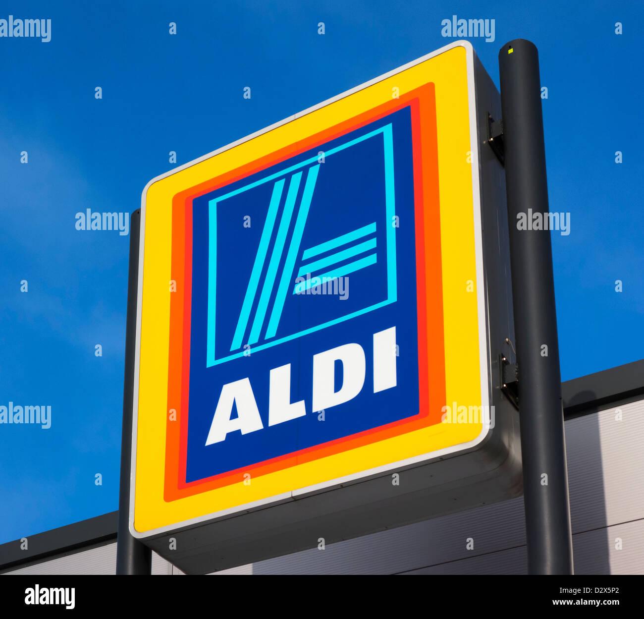 Aldi supermarket, Waterloo, Huddersfield, West Yorkshire, UK Stock Photo