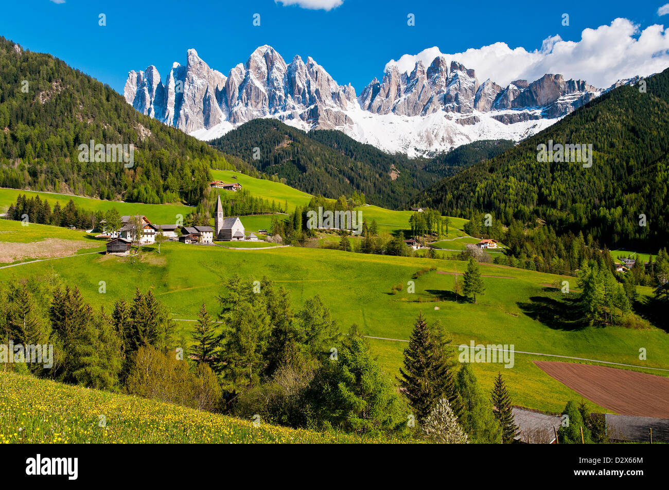 Panoramic view of Funes Valley with snow-capped Odle Dolomites, Alto Adige - South Tyrol, Italy - Stock Image