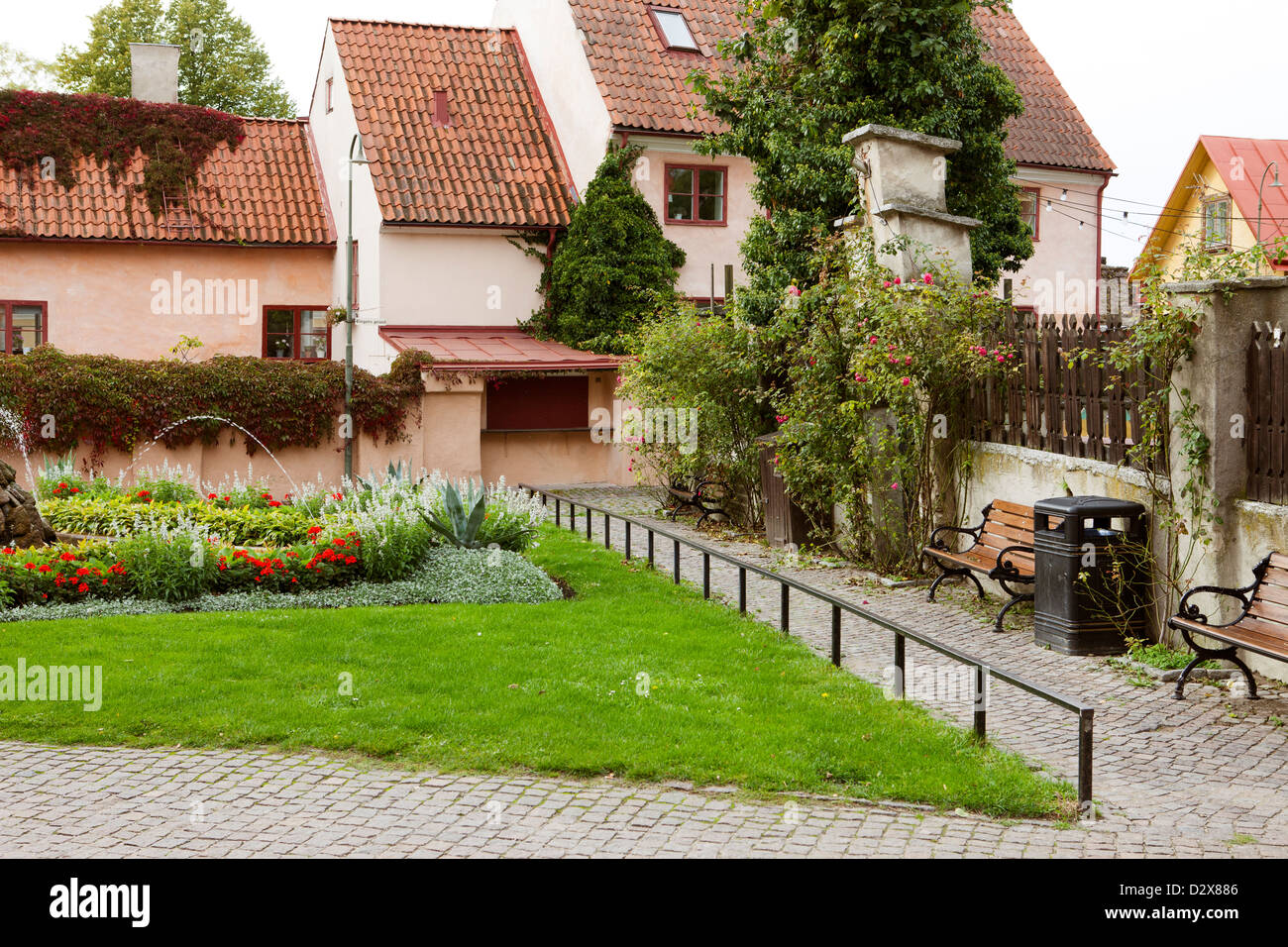 Small square in the old town of Visby, Gotland. Packhusplan. - Stock Image