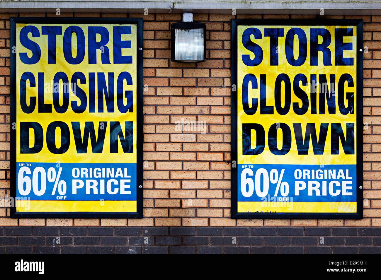 Store closing down sign with discount 60 per cent on Comet store, Wales, UK - Stock Image