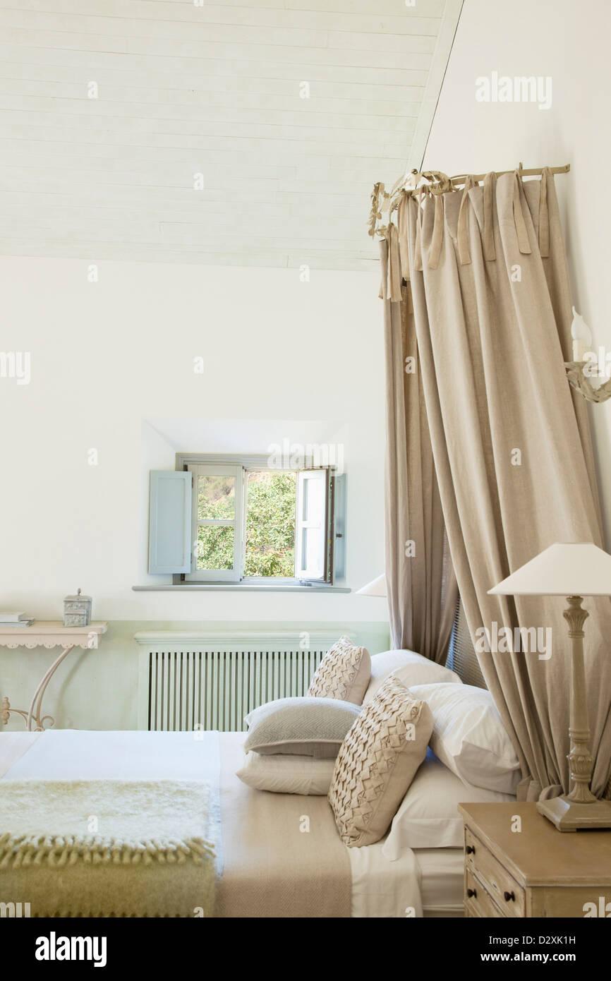 Luxury taupe bedroom - Stock Image