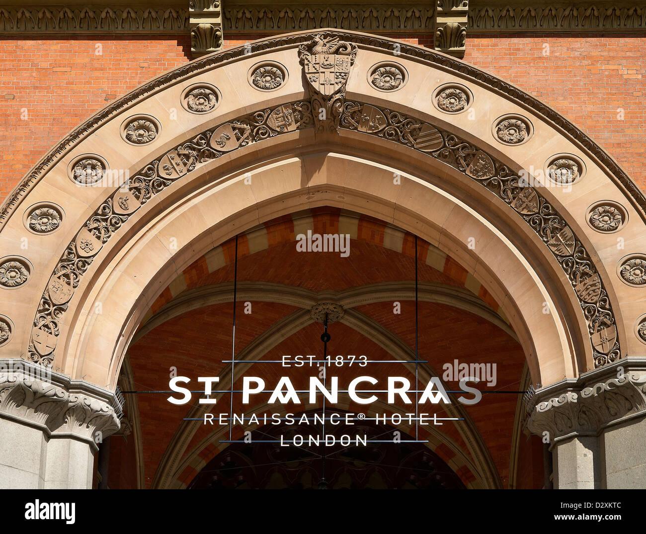 St Pancras Hotel, London, United Kingdom. Architect: Sir Giles Gilbert Scott with Richard Griffiths Arc, 2011. Hotel - Stock Image