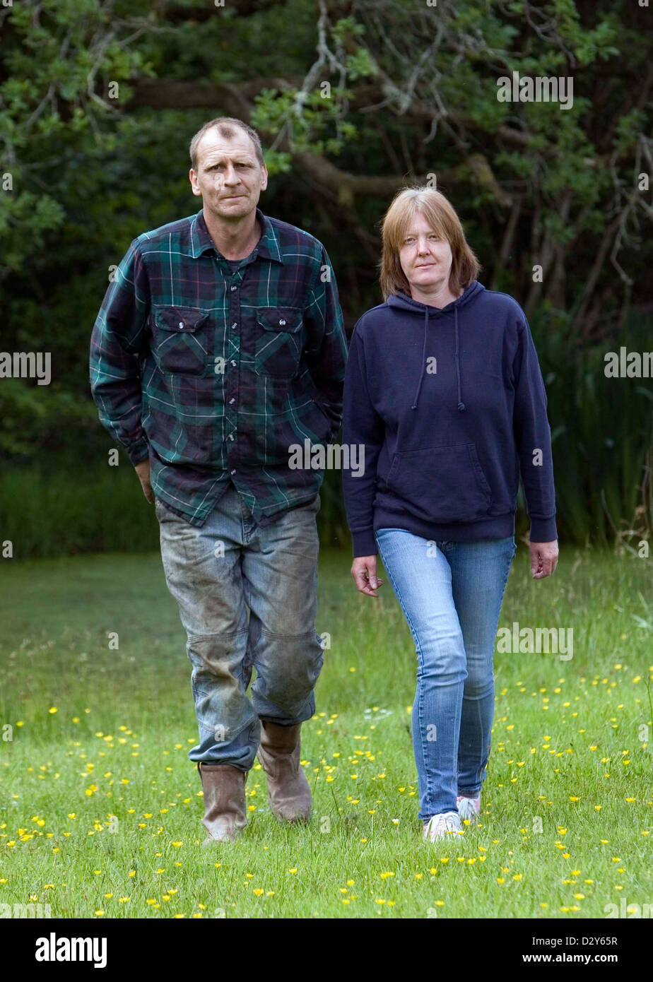 04.06.08. Jacqui Thompson and her husband Kerry at home near Llanwrda, West Wales. - Stock Image