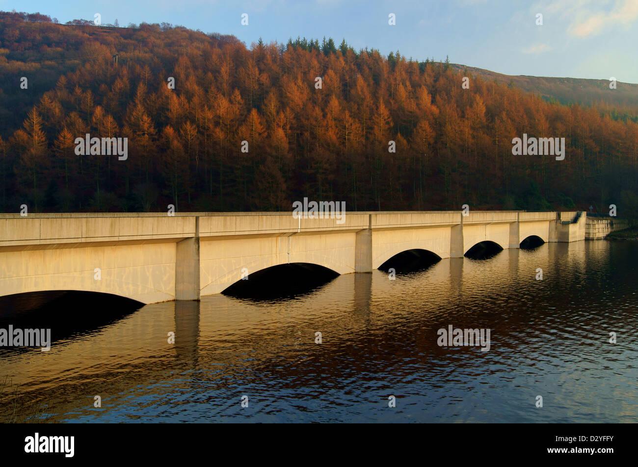 UK,Peak District,Derbyshire,Ladybower Viaduct & Reservoir - Stock Image