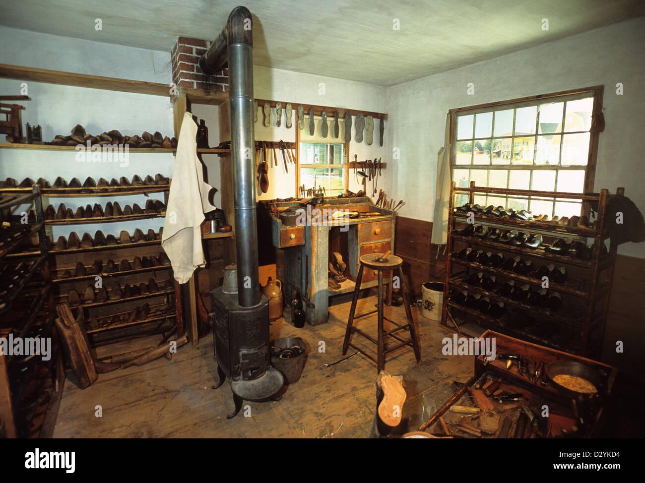 Elk282-1034 Maine, Augusta, Maine State Museum, cobbler's shop diorama