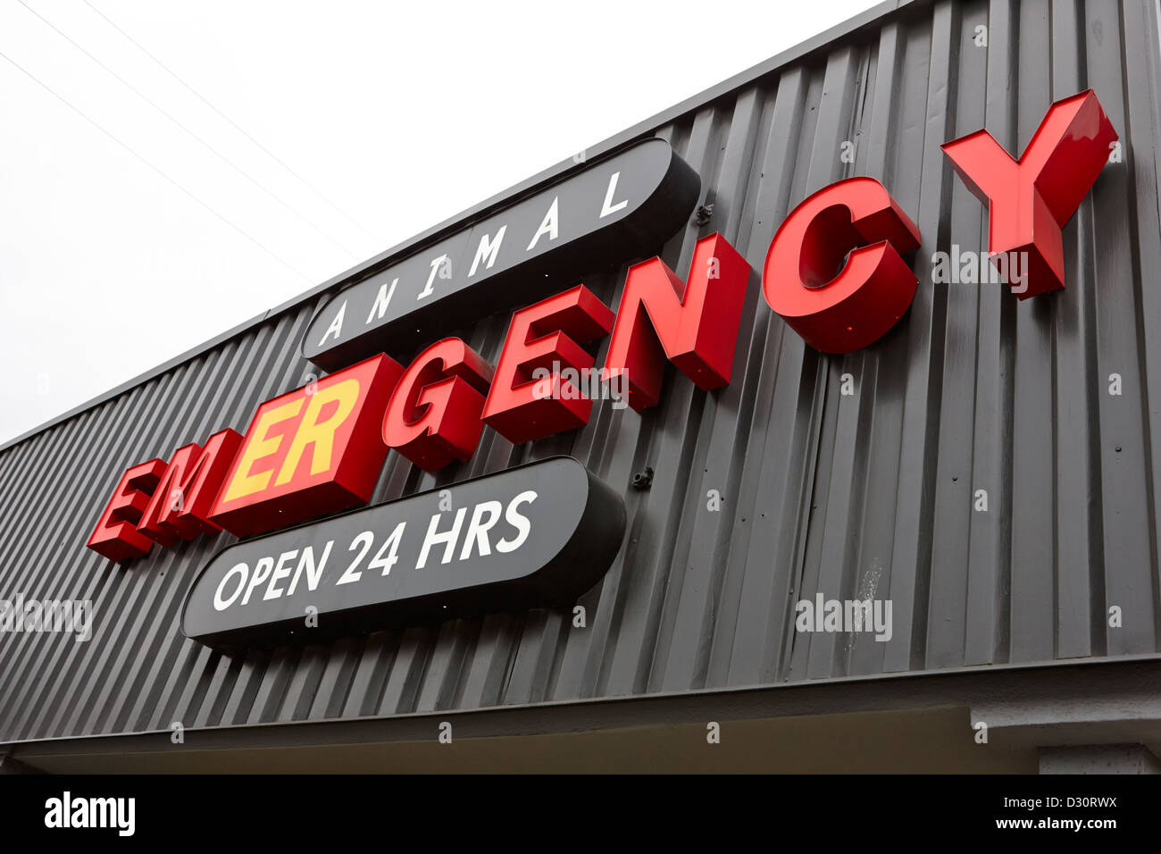 animal emergency er room vet vets open 24 hours sign Vancouver BC Canada - Stock Image